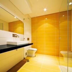 Свежи плочки за баня от Aparici (Испания)
